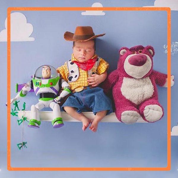 ایدههای عکاسی کودک با تم تویاستوری (داستان اسباب بازی) Toy Story themed baby photoshoot